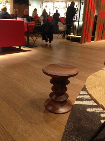 Ibis Brussels Centre Sainte Catherine : Quirky and nice