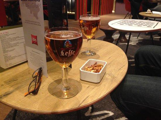 Ibis Brussels Centre Sainte Catherine : The lobby/bar