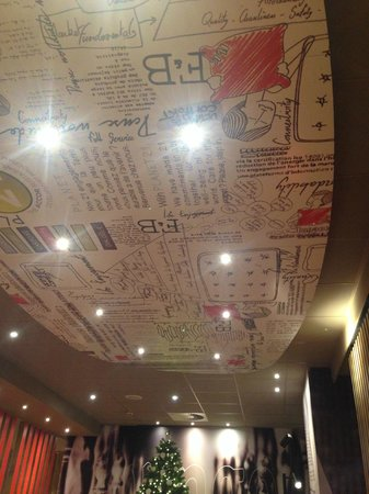 Ibis Brussels Centre Sainte Catherine: defiantly different