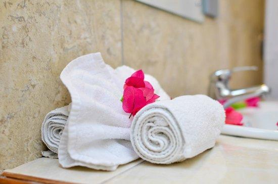 Bellissimo Boutique Hotel: Bathroom