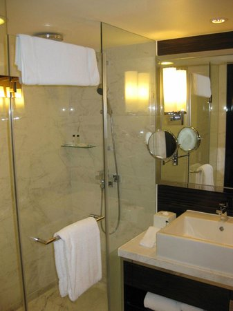 Hong Kong SkyCity Marriott Hotel : Ванна