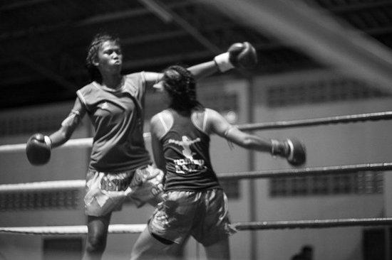 Khao Lak Muay Thai: Girls fighting