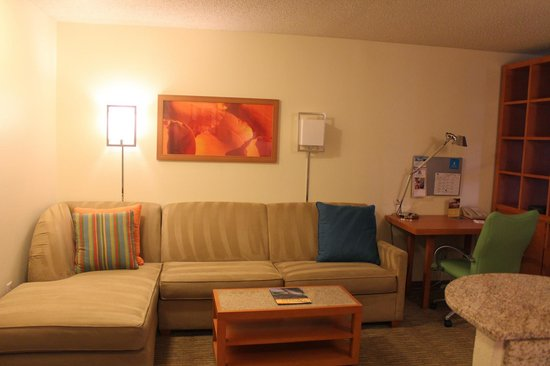 HYATT house Austin / Arboretum: Sofa with hide-a-bed