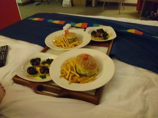 Park Inn Hotel Prague: Room service.