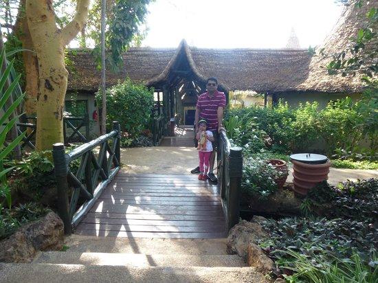 Lake Manyara Serena Lodge: the reception entrance