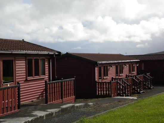 Baltasound Hotel: Pinelog cabins