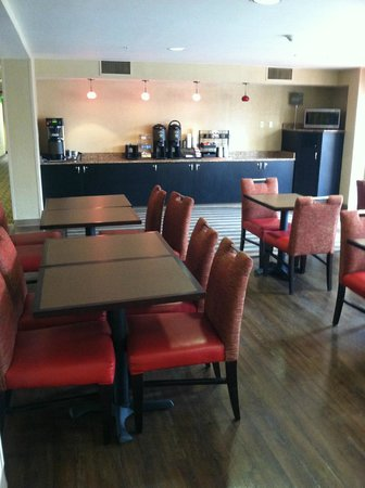 Extended Stay America - Secaucus - New York City Area : Breakfast area
