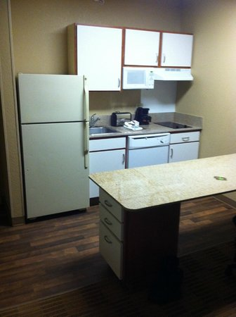 Extended Stay America - Secaucus - New York City Area : Kitchen in room