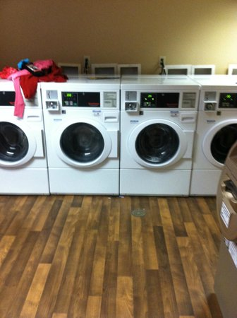 Extended Stay America - Secaucus - New York City Area: Laundry facility $2.00 wash/dry