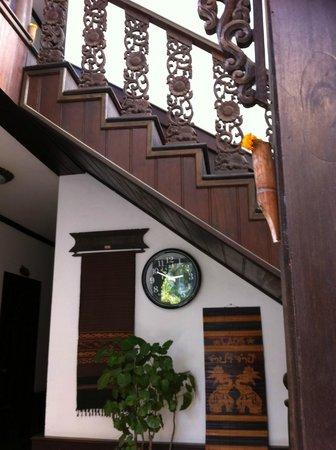 Khem Khong: stairs
