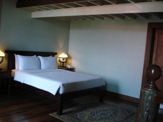 Las Casas Filipinas de Acuzar: loft 1 of 2 queen beds