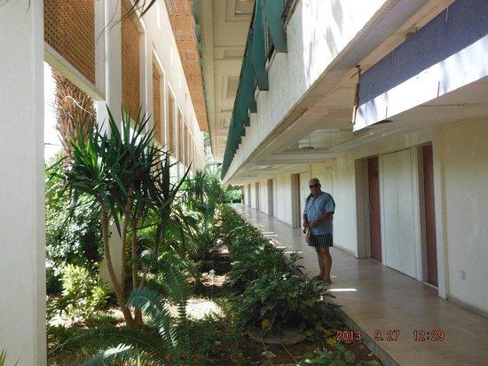 Leonardo Club Hotel Eilat : Lower rear entrance to rooms