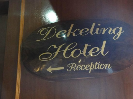 Dekeling Hotel: Way to the reception
