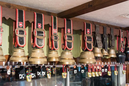 Guggisberg Cheese Factory : Cow Bell Display