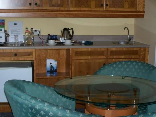 Carnoustie Golf Course Hotel : wee kitchen area