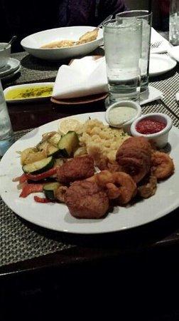 Rivertown Bistro: seafood platter.