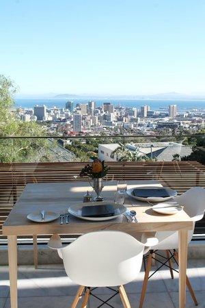 MannaBay: Frühstückstisch mit Aussicht