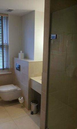 Rudding Park Hotel : Additional Shower Room