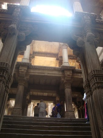 Adalaj Step-well: ,,