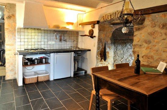 Can Lluis: keuken el Trull