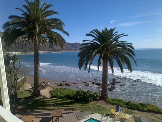 Cliff House Inn on the Ocean: This could be Hawaii.