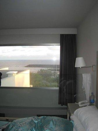 HD Beach Resort: Sea view from bedroom