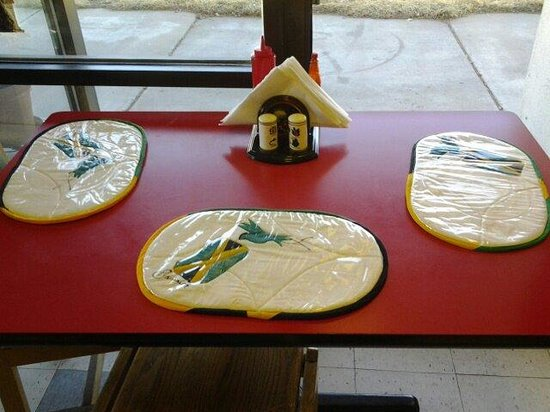 Jamaican Flavor : Table set up