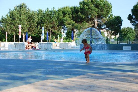 Residence Valbella: piscina