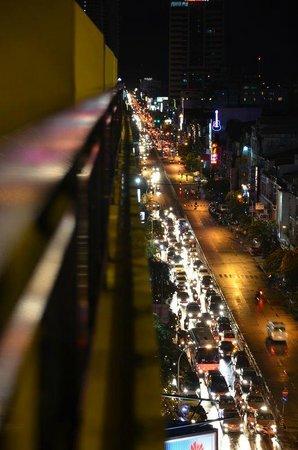 Diamond Hotel: Aussicht von meinem Balkon aus dem 8. Stock