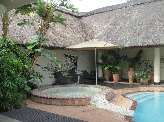 Ilala Lodge : Around the Pool