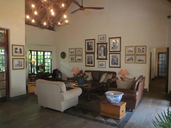 Ilala Lodge: Comfortable and Educational Lobby