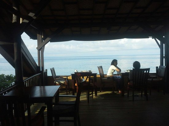 Sunset House Lombok: 2nd floor of restaurant with sea view