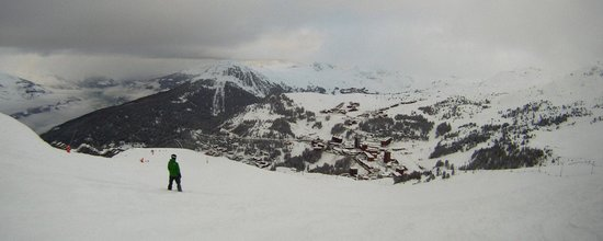 La Plagne Ski Resort: Looking down into Plagne Centre from near the top of the Becoin lift.