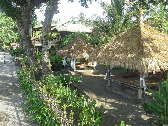 Sunset House Lombok: bale-bale