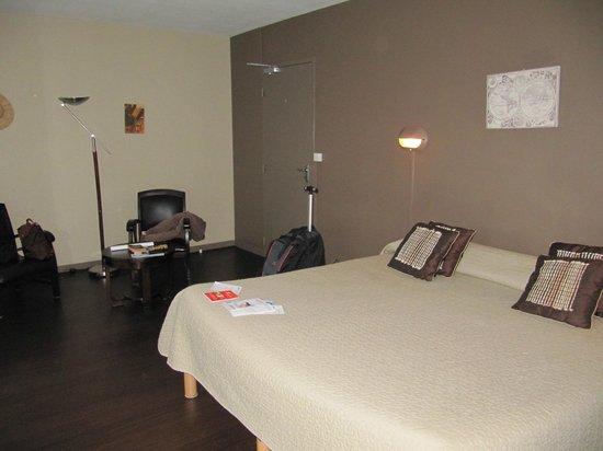 Hotel Aquitaine : номер