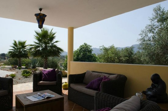Dos Iberos Luxury Bed & Breakfast: Dos Iberos B&B - relax in the shade