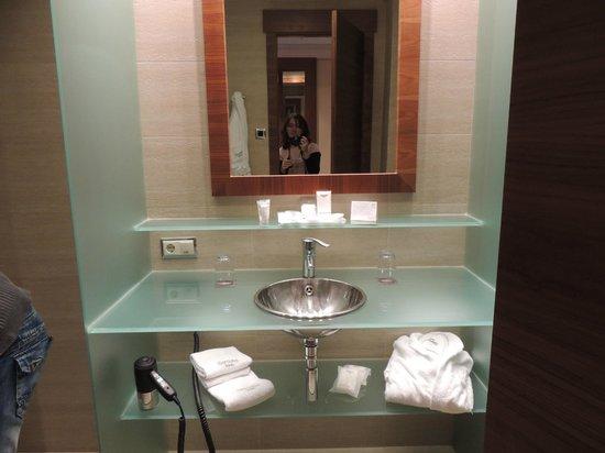 Sercotel Sorolla Palace Hotel : el lavabo