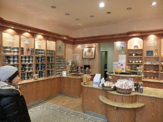 La Maison du Miel: 蜂蜜の香り漂う店内