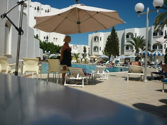 Monastir Center Hotel: Lorna at the pool