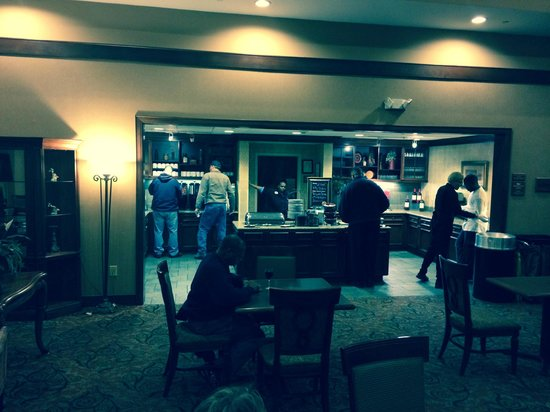 Homewood Suites Memphis - Hacks Cross : Complimentary Happy Hour and Simple Meal, Mon-Thur, 5-7 pm
