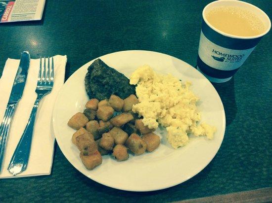 Homewood Suites Memphis - Hacks Cross : Complimentary Simple Breakfast Fare