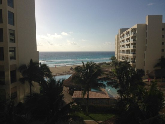 The Westin Lagunamar Ocean Resort: View from our balcony