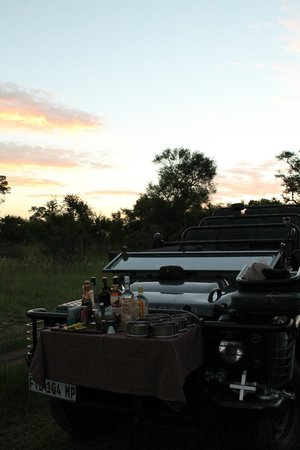 Lion Sands River Lodge: Sundowner