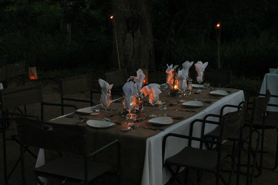 Lion Sands River Lodge: Dinner im Freien