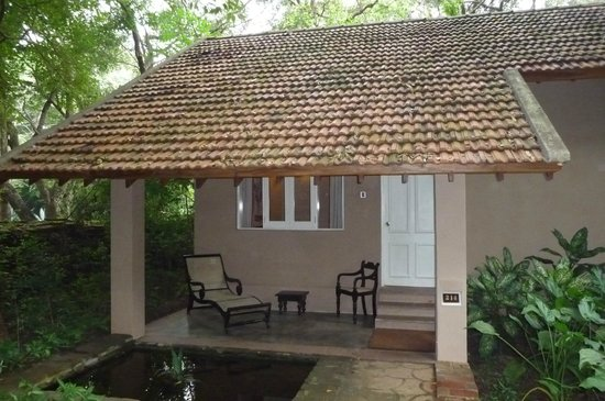 Sigiriya Village Hotel: Our bungalow