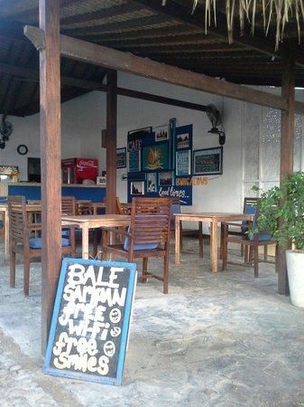 Bale Sampan Bungalows: bale sampan cafe
