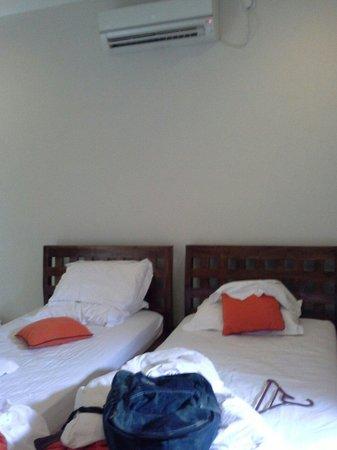 Bale Sampan Bungalows: the room