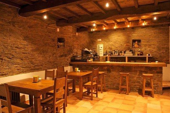 Cantina con chimenea picture of casa da aira folgoso do for Piani casa artigiano con cantina