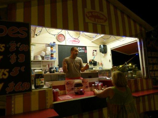 La Crepe en Rose : The Owner - night photo