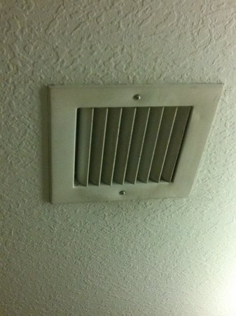 La Quinta Inn & Suites Ocala: Bathroom vent